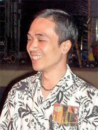 Nhạc sĩ Đỗ Bảo không giấu được niềm vui.
