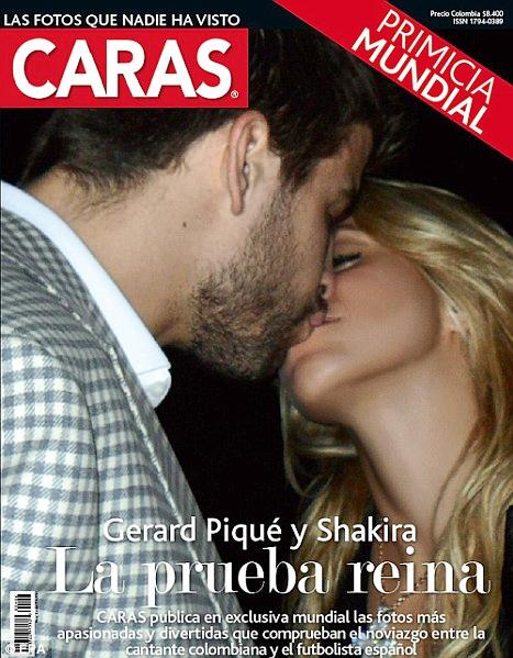 Tấm ảnh cặp đôi hôn nhau thắm thiết như một lời khẳng định ngầm về chuyện tình cảm.