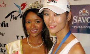 Huyền Trang gặp đương kim Người mẫu Thế giới 2009