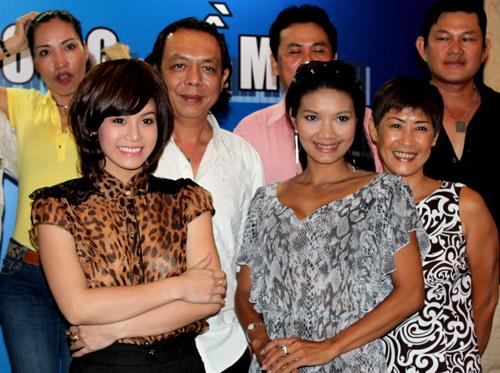 Phim truyền hình 'Dương cầm' do hãng phim Sóng Vàng sản xuất, dài 30 tập, phát sóng vào lúc 21h từ thứ hai đến thứ sáu hàng tuần trên kênh VTV9, bắt đầu từ 5/8.