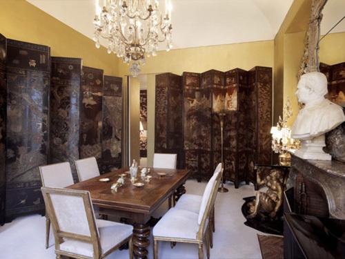 coco-chanels-luxurious-paris-apartment-1
