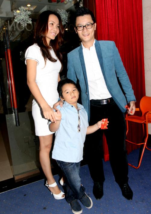 Gia đình là điều quan trọng nhất trong cuộc sống của Hoàng Bách.