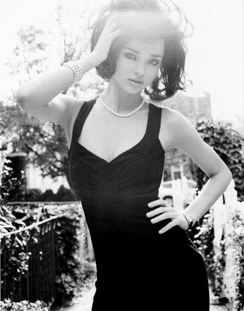 Miranda giống một cô đào nóng bỏng của Hollywood những thập niên giữa thế kỷ 20.