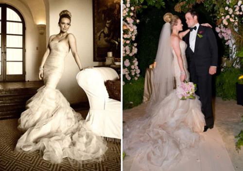 Hilary Duff mặc váy quây đuôi cá của Vera Wang trong đám cưới với cầu thủ Mike Comrie. Phần đuôi cá trải dài, thân váy bó sát tôn lên vóc dáng thanh mảnh của cô dâu. Bản thân váy đuôi cá khá kén người mặc bởi nó đòi hỏi cô dâu phải có đường cong thật sự rõ nét, nhưng khi Hilary Duff khoác lên mình chiếc váy đuôi cá, cô thật sự nổi bật và duyên dáng. Chất vải được sử dụng để may váy cho Hilary chủ yếu là lụa, voan màu.