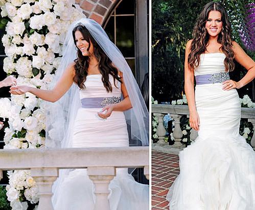 Chiếc váy mà Khloe Kardashian mặc trong đám cưới với Lamar Odom nằm trong bộ sưu tập váy cưới mang tên 'Ethel' của Vera Wang. Chiếc váy đuôi cá với điểm nhấn là dây lụa màu ngọc bích ngang eo, tạo tổng thể hài hòa cho cô dâu.