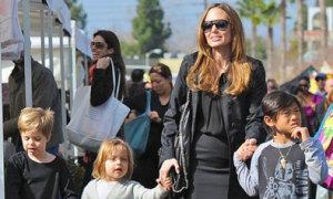 Jolie đưa con tới trường quay 'Những người khốn khổ'