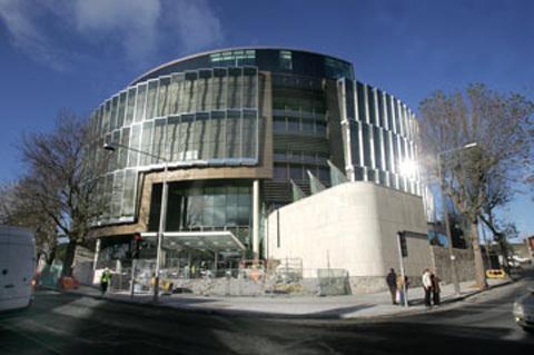 Tòa án nơi vụ cưỡng hiếp được xét xử. Ảnh: Irish Times