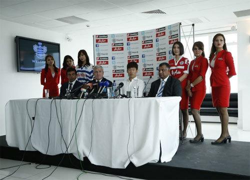 Bên cạnh đó, buổi ra mắt của ngôi sao người Hàn Quốc còn có sự góp mặt của các nữ PG xinh đẹp.