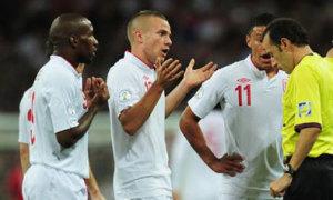 Các sao tuyển Anh thi nhau phung phí cơ hội