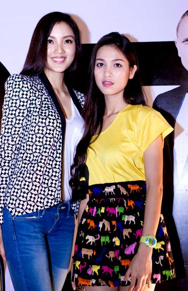 Người đẹp khả ái của Hoa hậu Việt Nam 2010 và nữ diễn viên Nhung Kate sở hữu vẻ đẹp hao hao nhau.