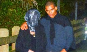 Madonna che kín mặt đi chơi với bồ trẻ