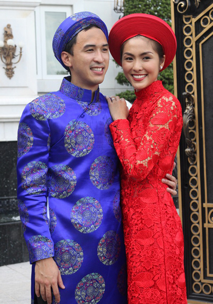 Kể từ sau đám cưới của Tăng Thanh Hà, các cô dâu săn tìm kiểu áo dài ren chỉ nổi.