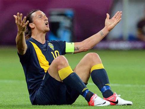 Nhiều lúc Ibrahimovic cũng trở thành nạn nhân của các pha biểu diễn kỹ thuật.