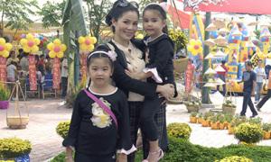 Con gái Quyền Linh hào hứng với lễ hội Tết