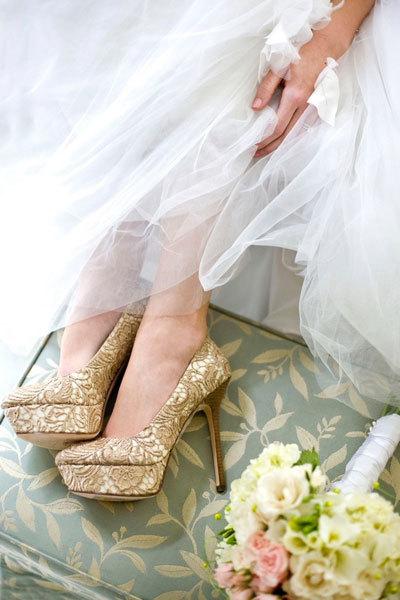 bridal-shoes-02-578241-1368306265_600x0.