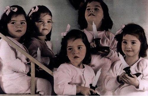Hiện chỉ có 2 người còn sống là Annette and Cecile. Đến bây giờ, họ vẫn là ca sinh 5 cùng trứng là nữ duy nhất từng được ghi nhận trong lịch sử. Ảnh: Telegraph
