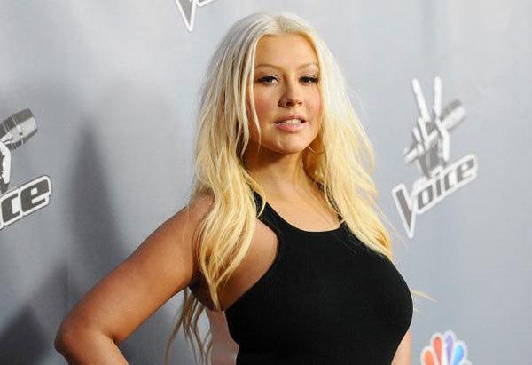 Năm nay, nữ ca sĩ không còn làm giám khảo của The Voice nhưng cô vẫn đến buổi ra mắt để ủng hộ chương trình này.