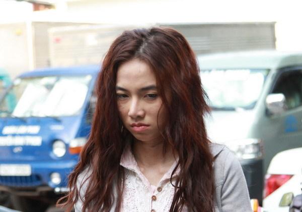 """Sau thành công vang dội của bộ phim tình cảm kinh dị Warm Bodies(2013)- """"Zombie biết yêu"""", kịch bản của bộ phim đã được một công ty giải trí tại Việt Nam mua bản quyền và Việt hóa. """"Zombie biết yêu"""" phiên bản Việt vừa được bấm máy vào đầu tháng 4 với 2 diễn viên chính là Đinh Ngọc Diệp và Phạm Anh Khoa."""