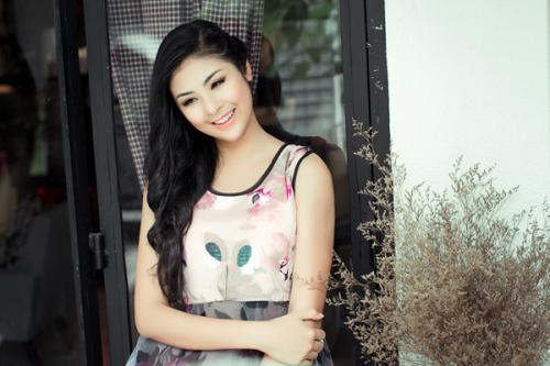 Bộ ảnh được thực hiện bởi stylist Tân Đà Lạt, chuyên gia trang điểm Minh Lộc