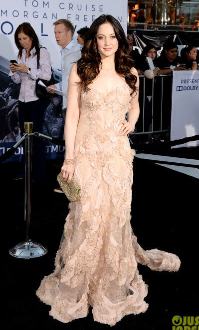 Andrea Riseborough on the red carpet at the premiere of his new film Oblivion on Wednesday (April 10) at the Dolby Theatre in Hollywood. wearing an Elie Saab dress
