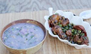 Canh khoai mỡ và thịt gà kho tiêu đậm đà