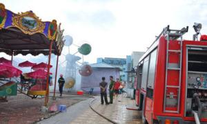 Cháy khu vui chơi gần sân Mỹ Đình