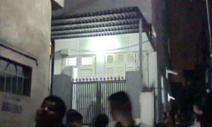 Hai mẹ con tự tử trong ngôi nhà khóa trái