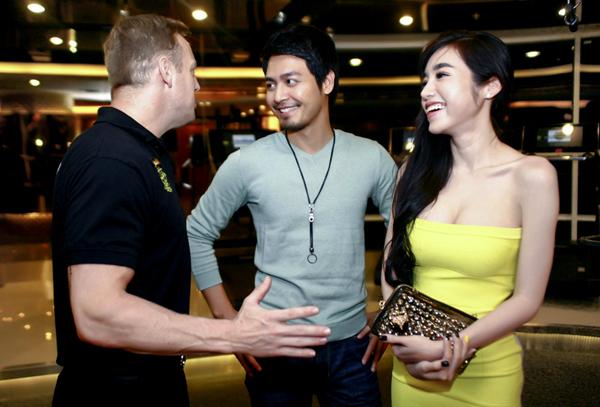 Elly Trần hội ngộ MC Phan Anh tại trung tâm thể hình.