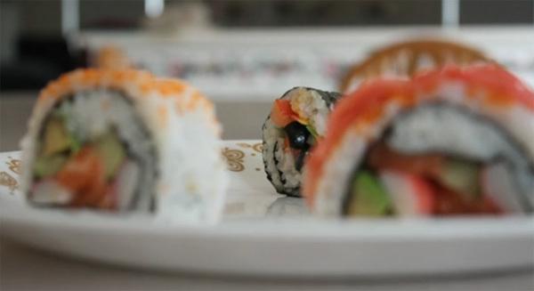Sushi chờ người yêu đi xa trở về