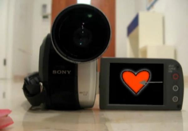 """""""Chàng"""" camera chinh phục trái tim """"nàng"""" như thế nào?"""