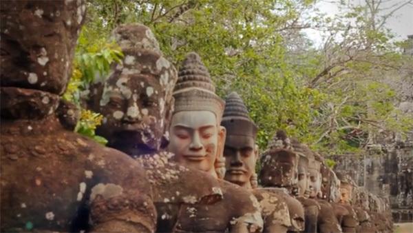 Wisdom of Cambodia (xem clip) cũng được thực hiện cùng với clip về đất nước Lào trong hành trình của tác giả. Những nơi mà Nicolas Bailleul đặt chân qua ở Campuchia gồm: Kratie, Kampot, Phnom penh, biển Sihanoukville, đảo Bamboo, sông Mê Kông, Kampong chlnang, Kampong Cham, Kep, Rabbit Island, Battambang, Pursat, Angkor, Siem Reap, Angkor Thom...