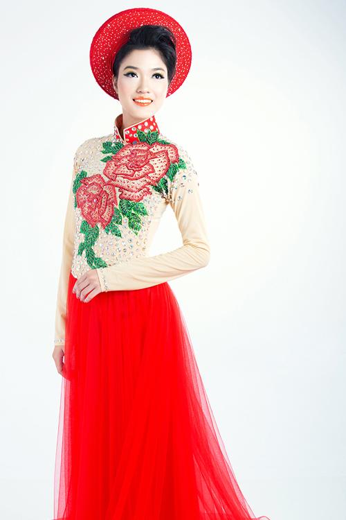 Với mẫu áo cách tân này, cô dâu có thể sử dụng khăn đóng hoặc voan cài đầu.
