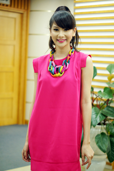 Nguyễn Thị Hằng là gương mặt người mẫu quen thuộc của thủ đô với nickname Hằng Kool. Cô cũng tham dự cuộc thi nhan sắc do báo Ngoisao.net tổ chức và lọt vào bán kết