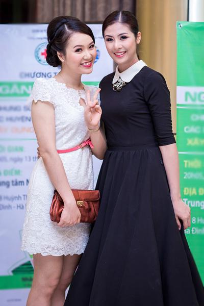 Thụy Vân rạng rỡ khoe sắc bên Hoa hậu Ngọc Hân.