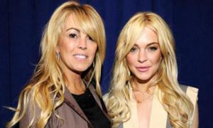 Mẹ Lindsay Lohan bị bắt vì say rượu lái xe