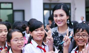 Á khôi Tăng Huỳnh Như được học sinh yêu mến