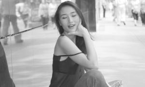 Huyền Trang với gu street-style cá tính