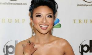 Người đẹp gốc Việt làm MC hậu trường Miss Universe