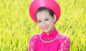 Áo dài hồng sen giúp cô dâu nổi bật