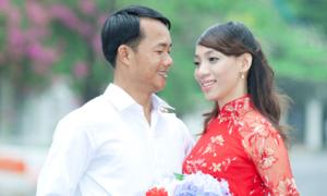 Cô dâu may áo dài tiết kiệm