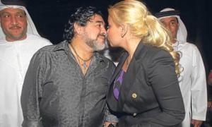 Bồ cũ mang bầu với Maradona