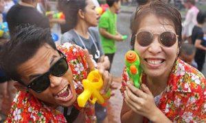Cười thả ga ở Tết té nước Thái Lan 2014