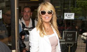 Mẹ Lindsay Lohan bị phạt 3.000 USD vì lái xe khi say rượu