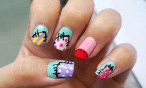 Tự vẽ nail 'chắp vá' màu sắc sinh động