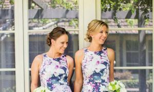 Váy hoa duyên dáng cho phù dâu mùa hè