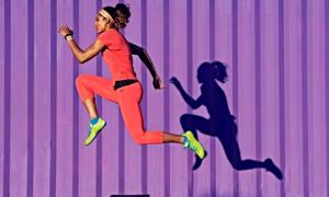 Giày Nike cho bạn gái yêu thể thao