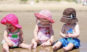 Những lưu ý khi cho trẻ nhỏ đi biển