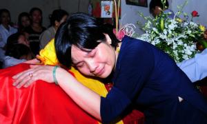 Quê nhà đón chiến sĩ 23 tuổi hy sinh trở về trong đêm
