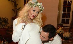 Christina Aguilera hạ sinh con gái