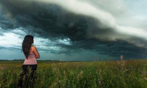 Đi khắp nước Mỹ để chụp hình với giông bão